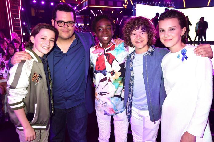 Of Course The 'Stranger Things' Kids Took Over The MTV Movie & TV Awards 590fd17d1600001f00c59eb2