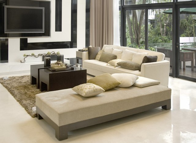 Can I Decorate With Leather Furniture and Fabric Furniture in One     living room with the modern furniture