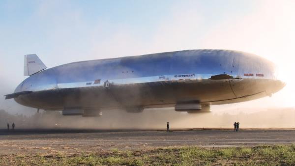 O primeiro dirigível Aeroscraft saiu do chão