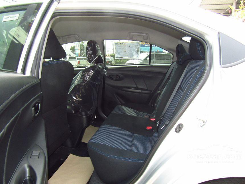 Toyota Vios 2014 ปี 13 17 E 1 5 เกียร์อัตโนมัติ สีเงิน
