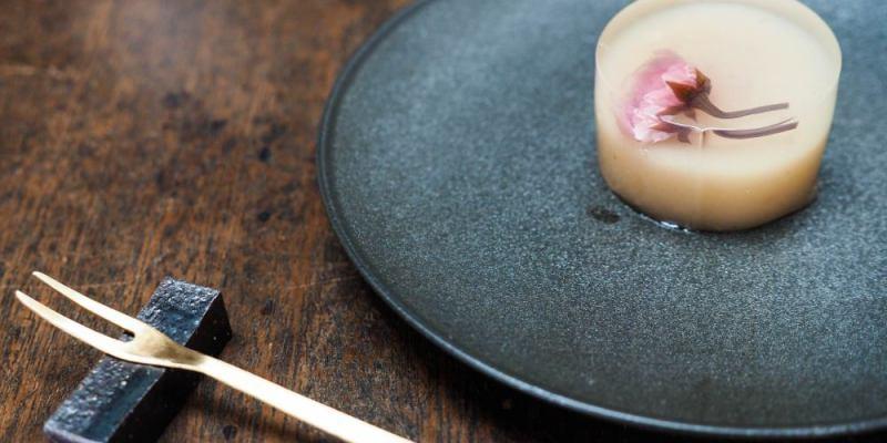 京都美食 うめぞの茶坊,町屋內的極簡日式甜點茶屋 羊羹糕點唯美得讓人捨不得吃下肚