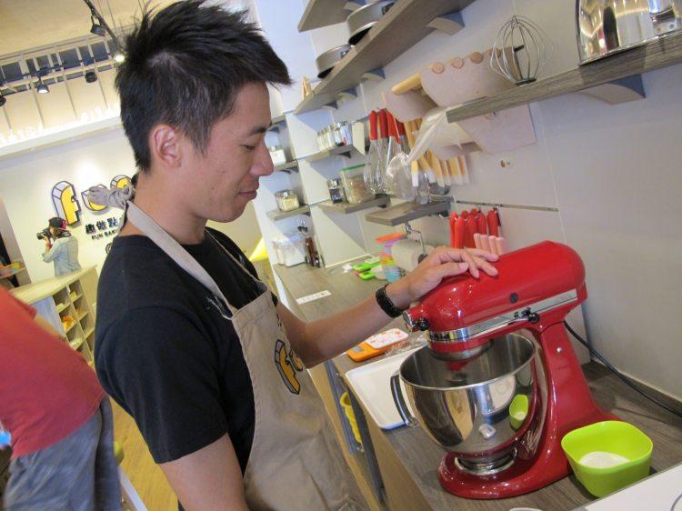 『台中西屯區_趣做點心』台中蛋糕diy烘焙課程推薦,男生也能動手作美味蛋糕!