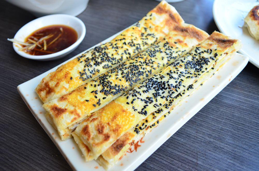 西螺美食_東城北方麵食館│用餐時刻就湧現人潮的西螺小吃,有我愛的綠豆沙鍋餅!