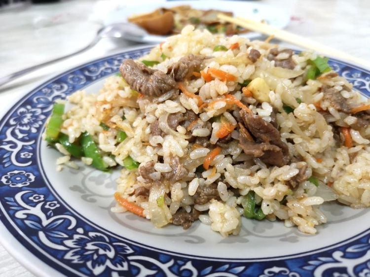 鹿港美食_上海牛肉麵│用餐時段一定有人潮的鹿港在地小吃!說到鹿港牛肉麵一定沒有人不知道這間!