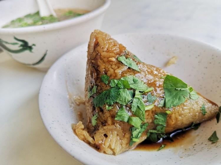黑點肉粽│鹿港肉粽、彰化肉粽,鹿港在地知名小吃,搭配蝦仁肉羹就是道地早餐。