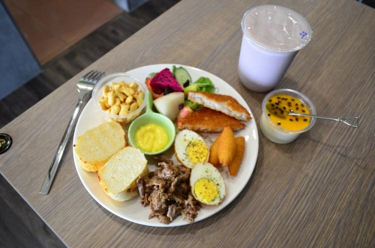 兒樂有理 │ 鹿港早餐,鹿和路美食,新開幕的早午餐店。