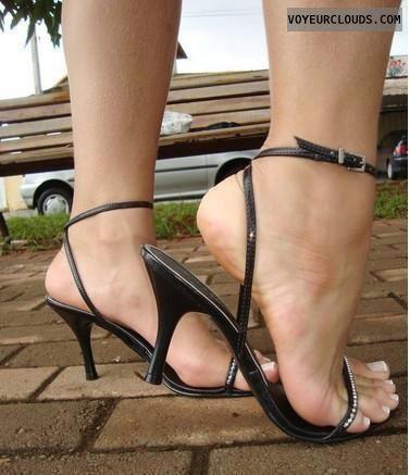 sexy women in heels