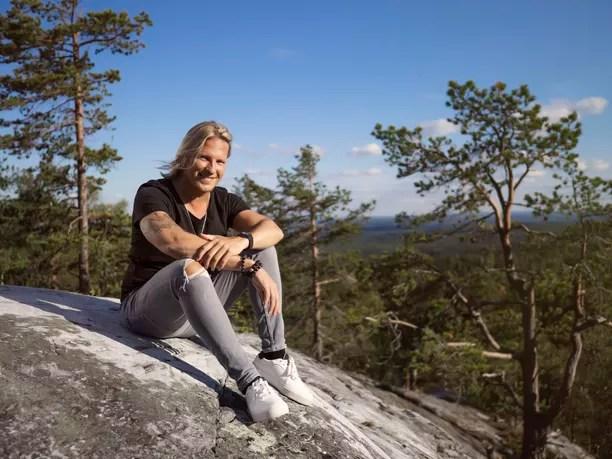 Sami Kuronen juontaa Temptation Island Suomen tälläkin kerralla.