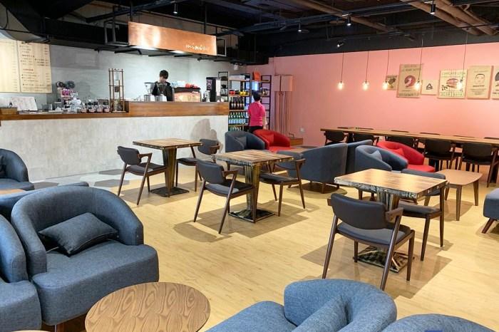 [梧棲美食]Mini izzy cafe 梧棲店,推薦冰磚冰咖啡及鮪魚多到滿出來的三明治。