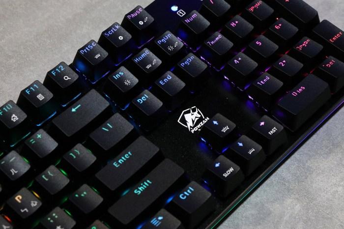 [開箱]POWZAN拜森電競得意力作,CK650 Stardust RGB 光學機械遊戲鍵盤,採用獨家定制光軸,可自由設定的巨集與燈光模式,專為遊戲玩家所打造。