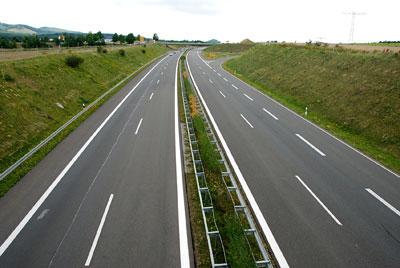 Carretera que conduce a Sierra Nevada
