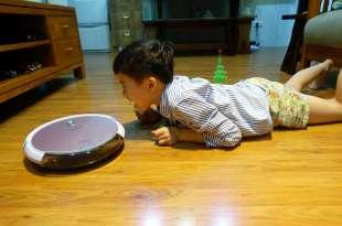 想了9年,小宅終於有掃地機器人|THOMSON第三代比想像中好用,不只掃地還能拖地