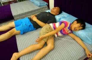 十年換新床|EASY眠|全家都滿意,職人打造獨立筒床墊,再也不腰酸背痛