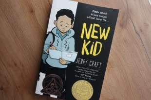 首度獲紐伯瑞獎的英文漫畫書 New Kid 畫下成長過程被排擠經驗