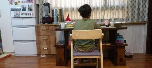 同大爺的新椅子|ADATTO學童椅|八段調整一路用到變大人