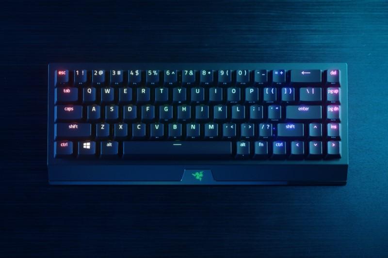 雷蛇推出 65% 無線三模鍵盤:Razer BlackWidow V3 Mini HyperSpeed,支援 2.4GHz / BT / Type-C