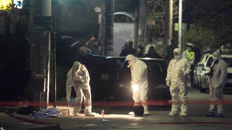 https://i2.wp.com/img.irtve.es/imagenes/dos-neonazis-amanecer-dorado-asesinados-junto-oficinas-del-partido-atenas/1383356993898.jpg