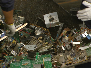 Ver vídeo  'La fiscalía de Medio Ambiente está investigando un posible fraude masivo en el reciclaje de aparatos electrónicos'