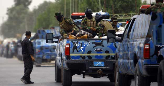 Un grupo de soldados iraquíes a su llegada a Mosul. Una gran parte del Ejército ha desertado.