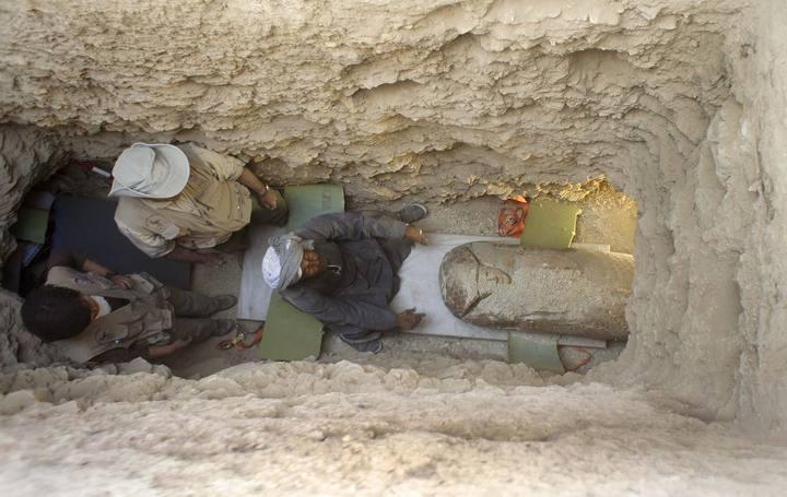 Imagen de la cámara sepulcral excavada en la roca a cuatro metros de profundidad.