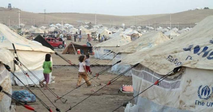 Miles de ciudadanos sirios que huyen de la guerra y la violencia en su país son rechazados en la frontera de Jordania, según ha denunciado Amnistía Internacional (AI)