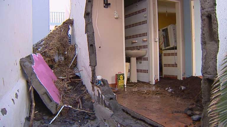 Una tromba de agua ocasiona grandes destrozos en Tenerife
