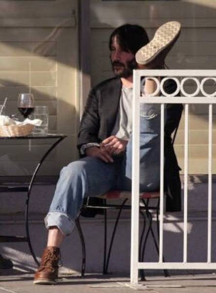 Keanu Reeves Lives His Life How He Wants To 16 Pics