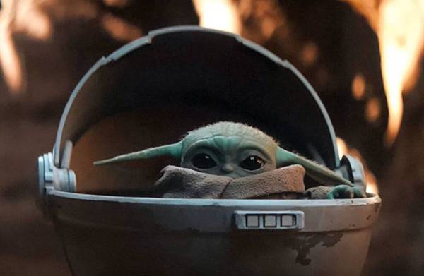 "Baby Version Of Yoda Appeared In The Latest ""The Mandalorian"" Episode, And It Is Very Cute"