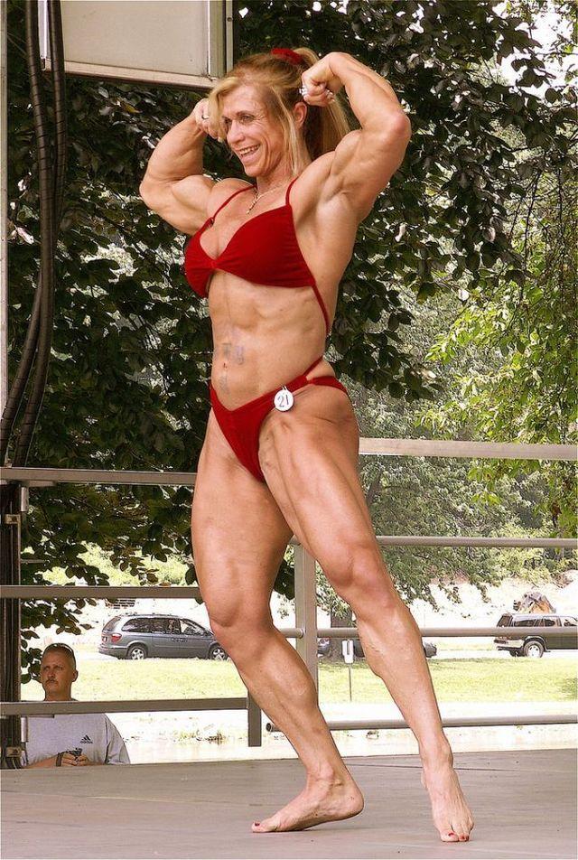 Sexy female terminator (17 pics)