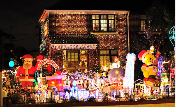 Think Your Tacky Christmas Lights Display Is Special Holly Zell Will Be The Judge Of