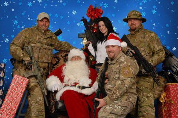 Weirdest Family Christmas Pics 50 Pics