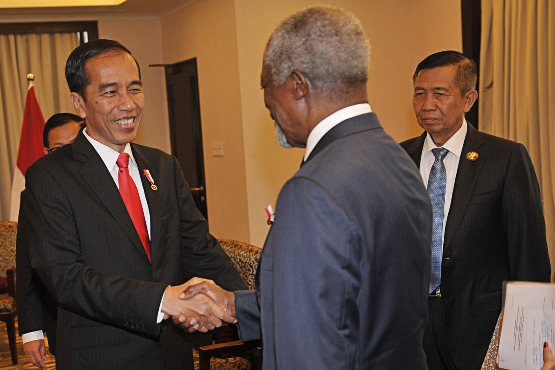 Jokowi meets Kofi Annan to discuss Myanmar