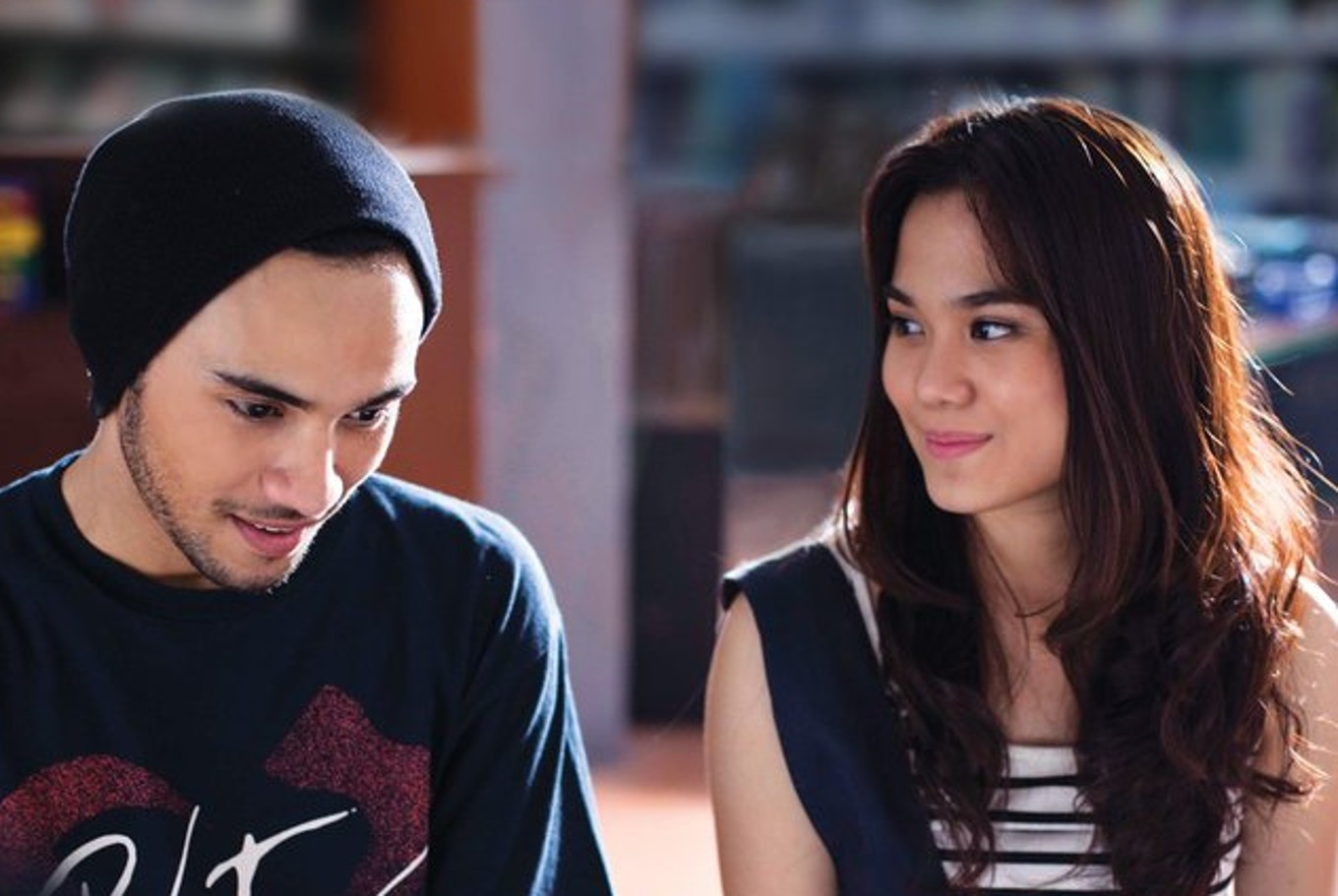 Modern Version Of Galih Ratna Celebrates Unforgettable First Love