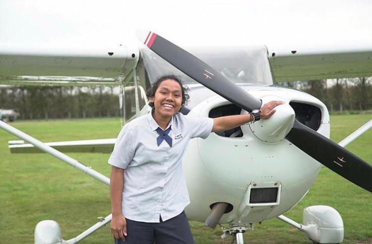 Martha Itaar (foto) adalah bagian dari batch pertama dari program rekrutmen pilot Garuda Indonesia dari Papua.