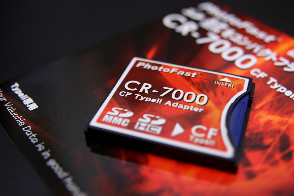 PhotoFast CR-7000 SD 轉 CF 卡