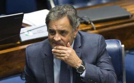 Resultado de imagem para Senado adia novamente votação que pode reverter afastamento de Aécio