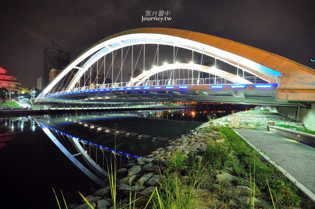 高雄,光之塔,中都願景橋,愛河夜景