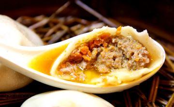 [南京。小吃] 雞鳴湯包/鸡鸣汤包 咬破後一湧而出的雞湯汁! (夫子廟分店) ♥ JoyceWu。食記