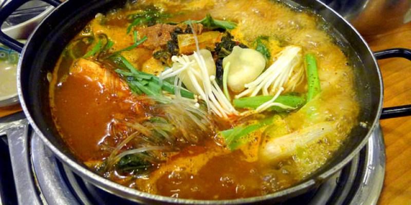 【韓國必吃】弘大美食(一):馬鈴薯排骨湯원당감자탕+弘大停車場街戰利品!