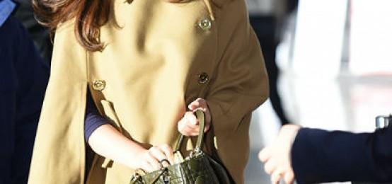 少女時代缺蒂芬妮飛東京 俞利穿棕色斗篷外套吸睛 - kpopdata.com 韓星資料庫