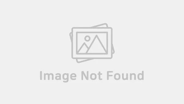 Oddly Coloured Contact Lenses Worn By K Pop Idols Kpopmap
