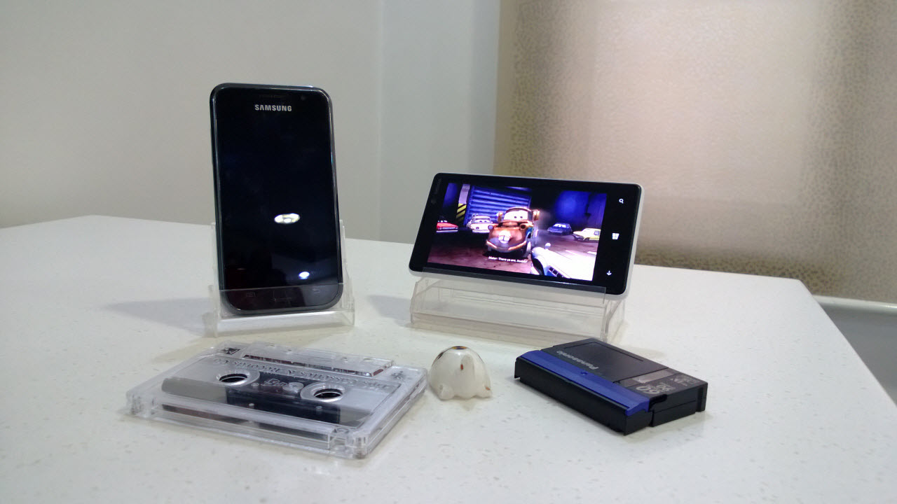 Cassette Case as Phone Dock