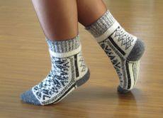 f621056db01e5 В качестве домашнего варианта уместна любая вязка от замысловатых ажурных  плетений до плотных носков с различными узорами. Кстати, применение  рождественских ...