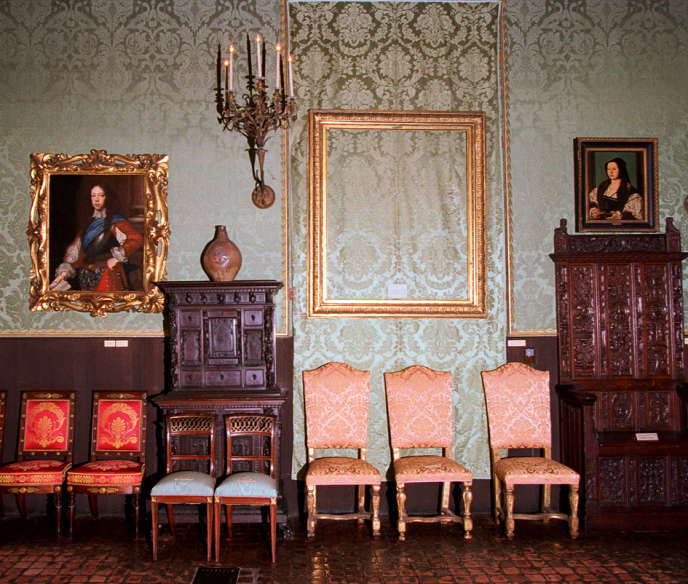 1990, at the Gardner Museum in Boston, a site left empty by thieves of 13 master paintings.