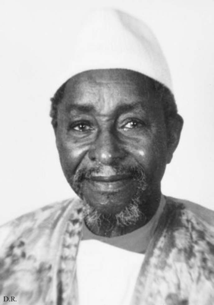 L'écrivainAmadou Hampaté Bâ, photographié par Super Koné.