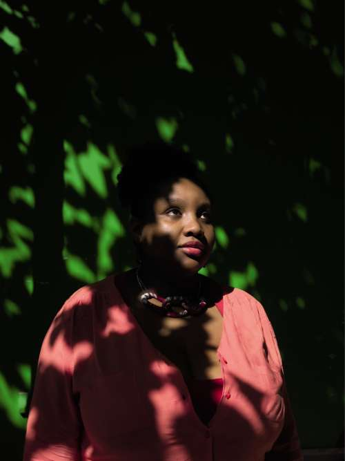 Risultati immagini per Noires, fières de leurs racines et de leur féminité