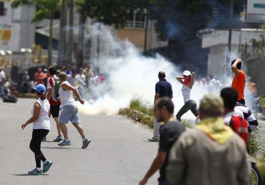 Depuis le mois d'avril des manifestations anti-gouvernementales ont fait plus d'une centaine de morts ainsi que des milliers de blessés.