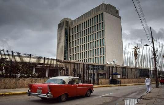 Devant l'ambassade américaine à La Havane (Cuba), le 29 septembre.