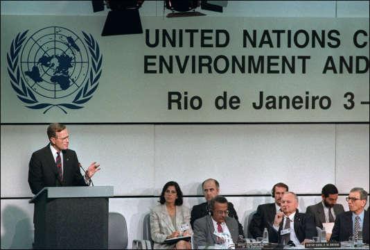 Le président américain George Bush, lors du Sommet de la Terre, à Rio, en 1992.