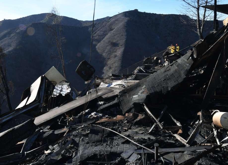 Une maison entièrement détruite dans le quartier huppé de Bel Air, à Los Angeles, le 7 décembre.
